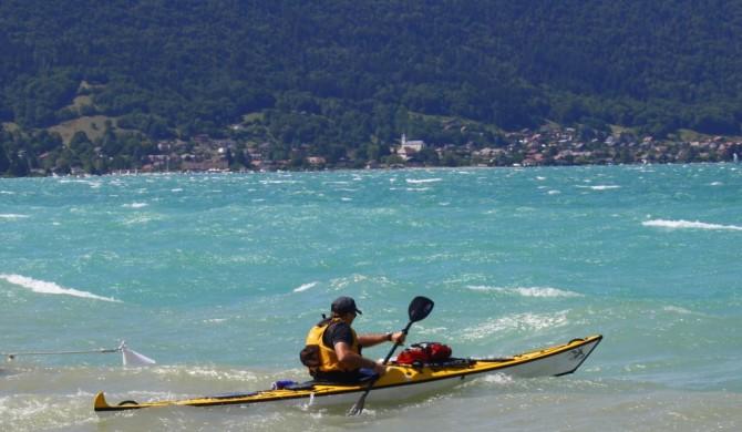 Un lac d'Annecy déchaîné